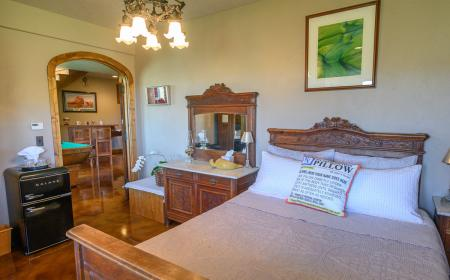 Queen bed and dresser